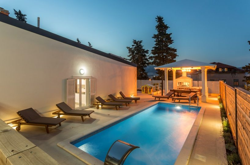Villa Silver Split - Luxurious villa with pool near center of Split