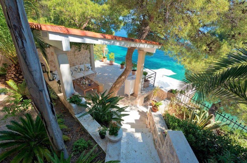 Luxurious seafront villa with private beach Hvar