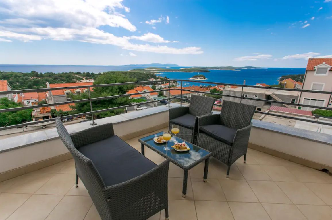 Apartment Beige Hvar - Luxury sea view apartment near Hvar center