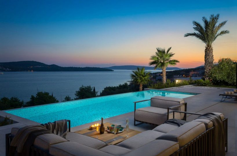 Villa Heaven Trogir - Luxurious villa with heated pool near the beach, Seget Donji
