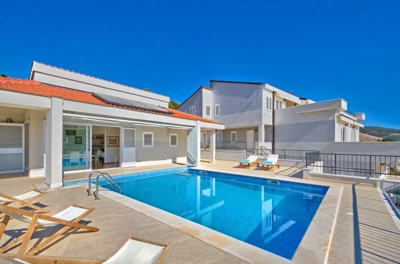 Villa Joy Primosten - Luxurious large pool villa near the beach, Primosten