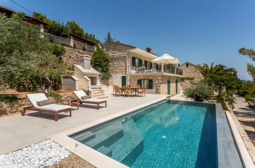 Villa Platinum Sumartin - Beachfront family villa with infinity pool, Brac island
