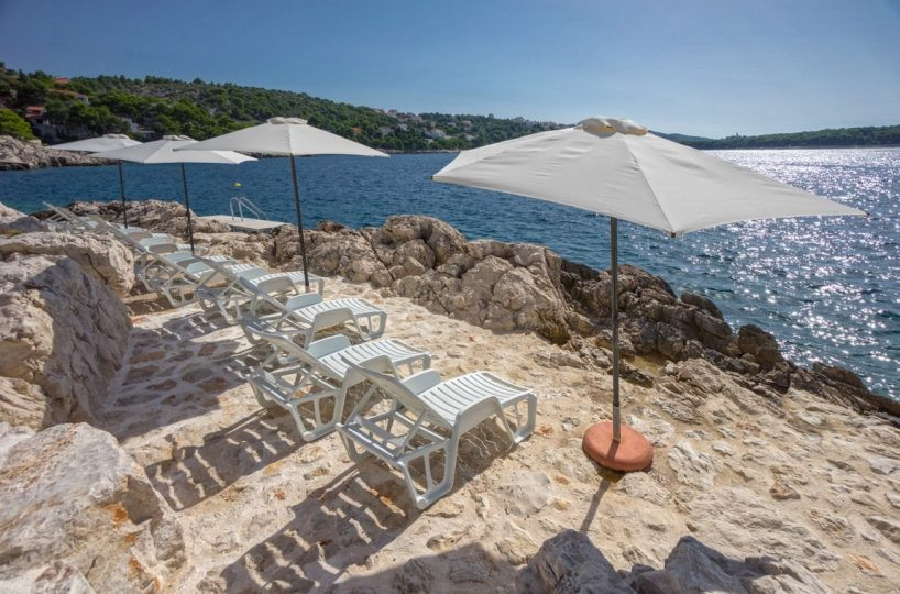 Private beach Primosten Villa Eloise 2