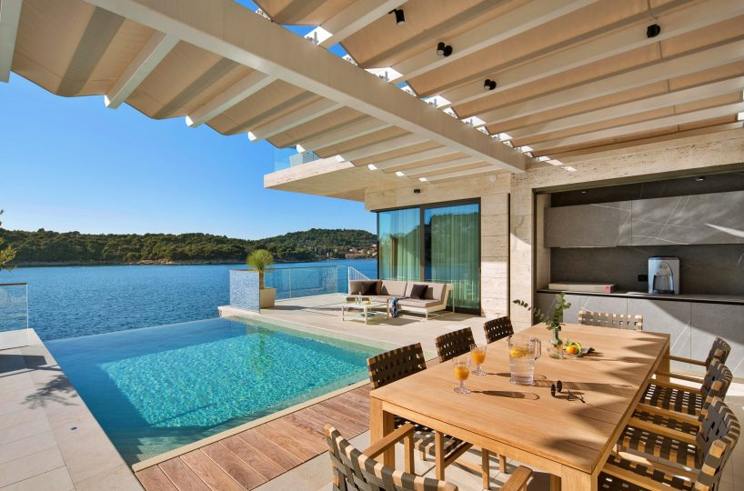 Seafront villa with pool, Dubrovnik